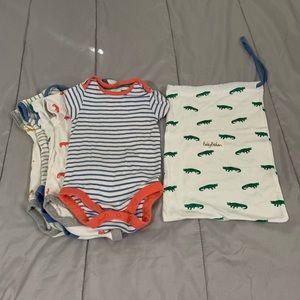 Baby Boden 5 pack + bag, onesies 6-12m